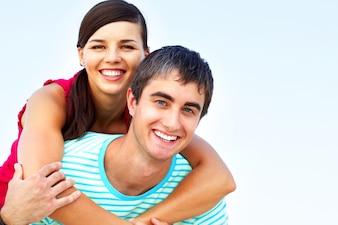 Ligação masculina sorriso juntos namorado