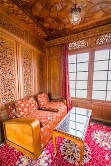 Luxuoso interior vintage da sala.