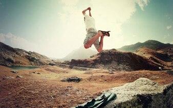 O homem que salta para a natureza