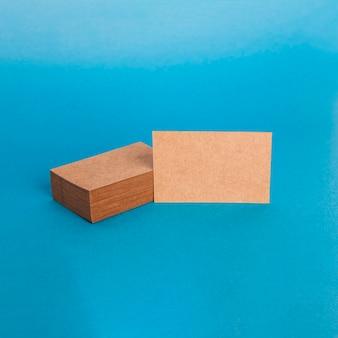 Maquete de cartão de visita de papelão elegante