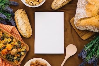Maquete de livro com decoração de comida italiana