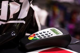 Máquina de cartão de crédito na loja
