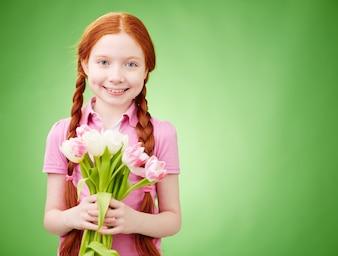 Menina cheiro flor floral bonita