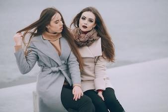 Meninas da moda na cidade