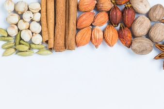Mistura de diferentes sementes e especiarias