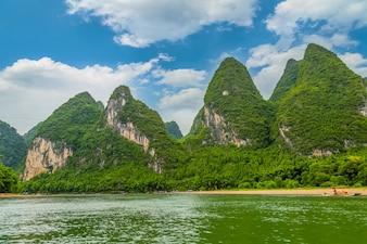 Montanha chinesa cénico água viagem elefante