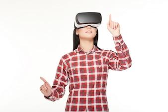 Morena emoção da pessoa do estúdio virtual