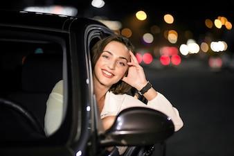 Mulher em um carro
