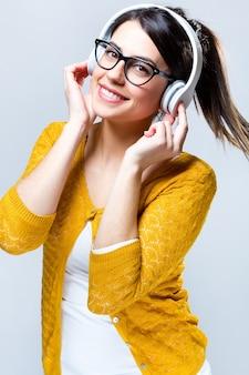Mulheres amarelas áudio som sorriso