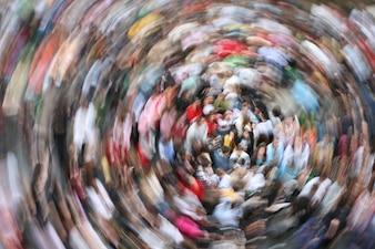 Multidão em movimento
