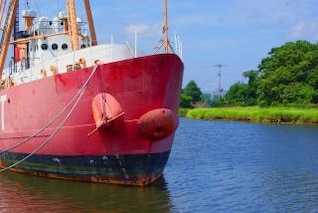 navio no cais