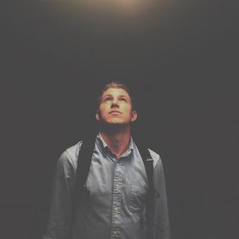 Olhando para a luz