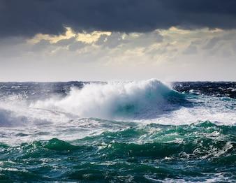 Onda do mar durante a tempestade