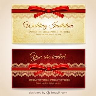 Os convites do casamento com laço vermelho