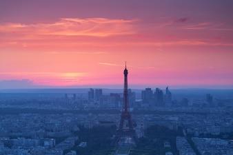 Panorama de Paris no por do sol