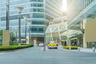 Pavimento urbano viagens dramático cidade cimento