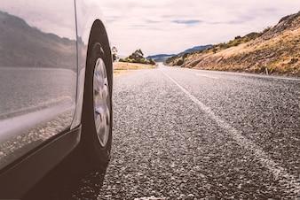 pé carro na estrada