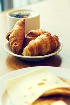 Pequeno-almoço crocante granola fundo de tonificação