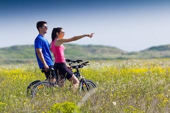 Pessoa bicicleta de passeio verão feminino