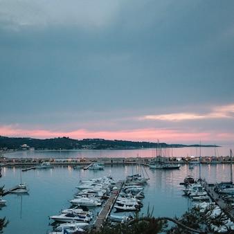 Pôr do sol na baía