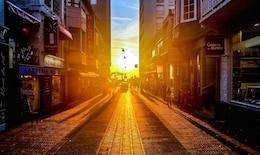 Pôr do sol na rua