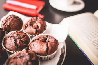 Queque do chocolate pequeno-almoço