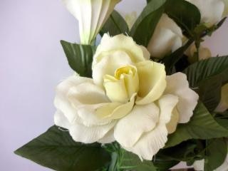 rosa branca, de tecido, flores