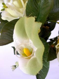 Rosa branca, de tecido