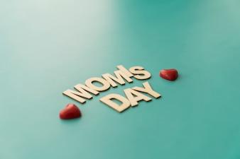 """Rotulação do """"dia da mamã"""" com corações"""