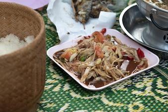Salada tailandesa de papaia