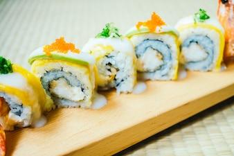 Sushi de camarão ou camarão