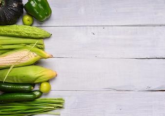 Tabela com vegetais verdes