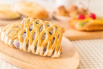 Taro tartes na mesa