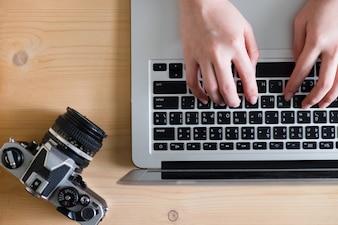 Tecnologia laptop trabalhando educação teclado