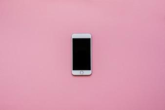 Telefone com fundo rosa
