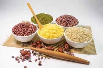 Tigelas de alimentos saudáveis