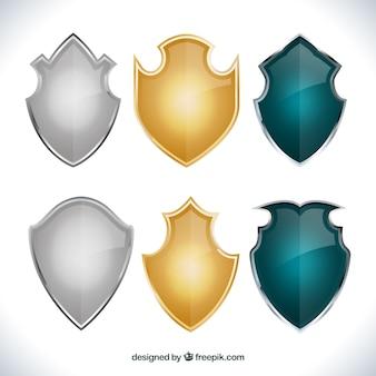 Variedade de escudos medievais