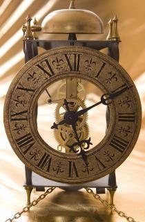 velho relógio brilhante