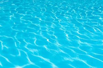 Verão molhado brilhante puro profunda
