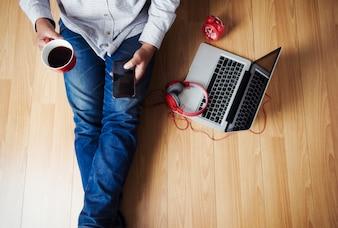 Vida em rolagem web dentro da tecnologia música