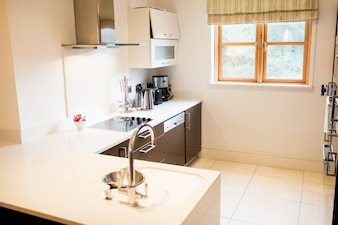 Vista da cozinha vazia
