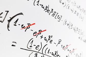 Whiteboard com matemática