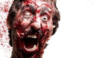 Zombie com sangue atrás