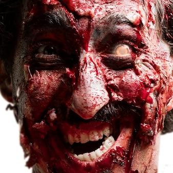 Zombie com um olho vermelho
