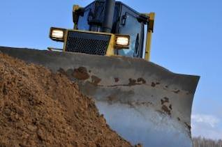 Bulldozer vor Ort