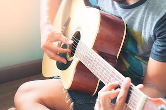 Akkord eine Person String männlichen Ton