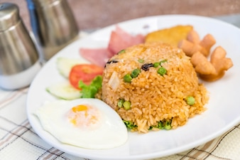 Amerikanischer gebratener Reis