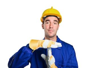 Arbeiter mit Pause Zeit Geste auf weißem Hintergrund