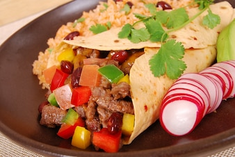 Beef Burrito Wrap-Sandwich mit Reis