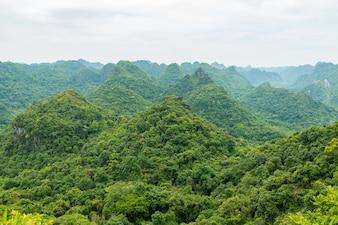 Berge von Catba Insel